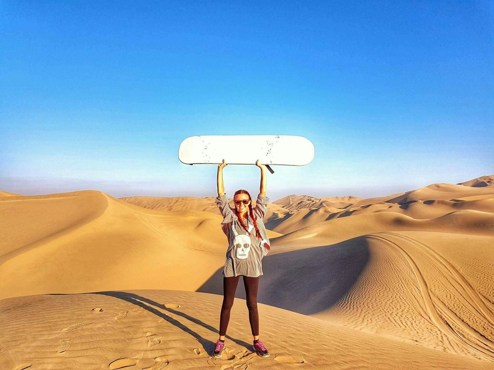 """<img src=""""images/"""" width=""""800"""" height=""""600"""" alt=""""ica - received 10154870728085636 1050411371 - Peru: Sand and Sails, Ica, Huacachina and Paracas"""">"""