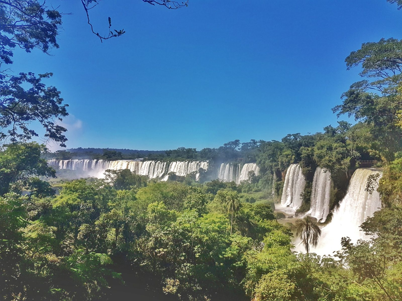 "<img src=""images/"" width=""800"" height=""600"" alt=""iguazú falls - 20180202 102505 011663424790 - Argentina: Tips For a Budget Savvy Trip to The Iguazú Falls"">"