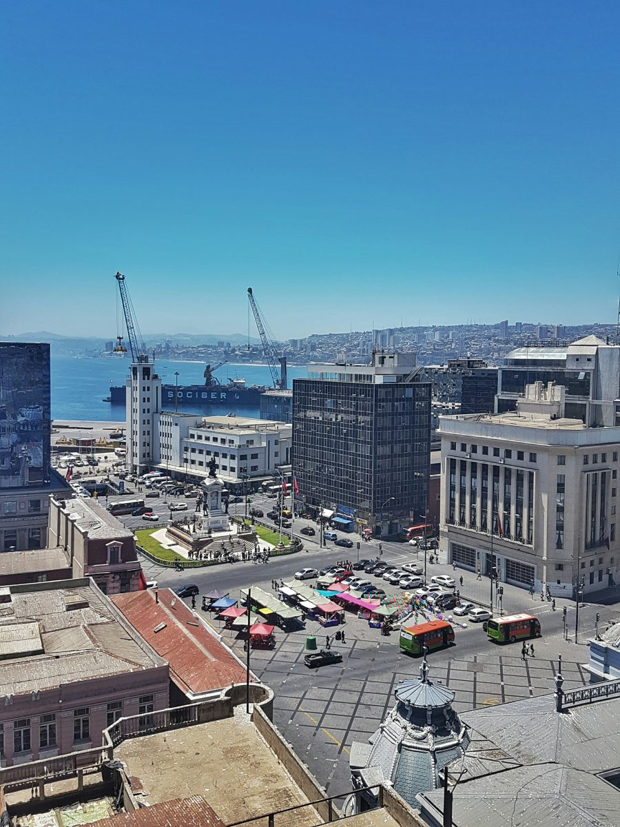 "<img src=""images/"" width=""800"" height=""600"" alt=""valparaíso - plaza sotomayor1317395753 - Chile: Valparaíso, Mountains, Murals and Music."">"