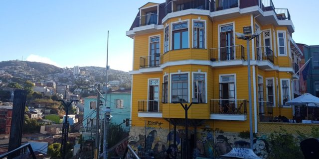 """<img src=""""images/"""" width=""""800"""" height=""""600"""" alt=""""valparaíso - 20180104 1931203147328830932738461 640x320 - Chile: Valparaíso, Mountains, Murals and Music.""""> <img src=""""images/"""" width=""""800"""" height=""""600"""" alt=""""chile - 20180104 1931203147328830932738461 640x320 - Chile"""">"""