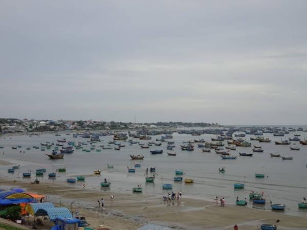 "Mui Ne <img src=""images/"" width=""800"" height=""600"" alt=""mui ne - so many boats 600x450 - Vietnam: Show Me The Mui Ne"">"